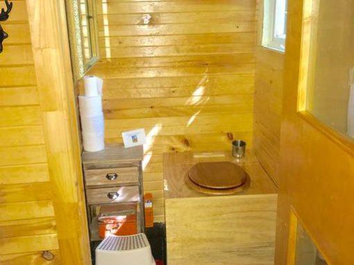 Enzo – intérieur, toilette sèche
